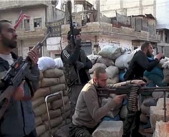 مقاتلي المعارضة السورية شنو هجوماً في الشمال والغرب لتخفيف الحصار الحكومي
