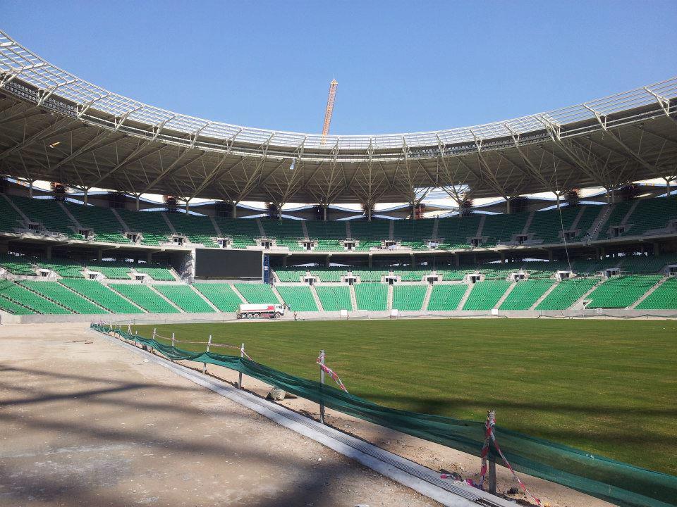 احتراق العشب الطبيعي للملعب الرئيسي في المدينة الرياضية نتيجة لتقلبات الجو