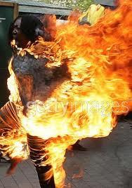 في قضاء الفاو بالبصرة امرأة تحرق أطفالها الثلاثة وتنتحر