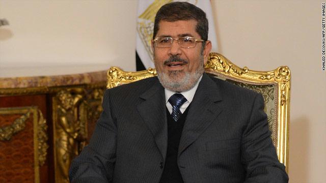 مرسي يفجر المعتصمين !! … بقلم شاكر الجبوري