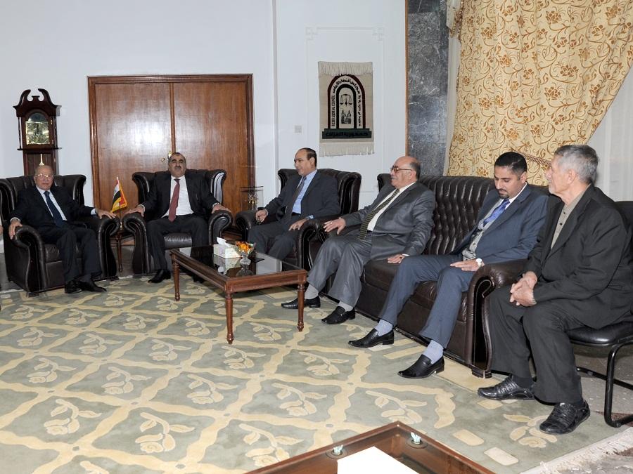 شيوخ ووجهاء عشيرة السواعد يؤدون مراسيم الزيارة لرئيس المحكمة الاتحادية !