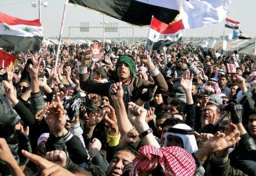 """محافظ الموصل : أحذر القوات المسلحة من """"قمع"""" و""""استفزاز"""" المتظاهرين"""
