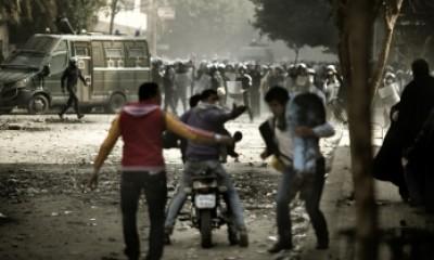 اشتباكات عنيفة ببورسعيد بعد الحكم باعدام 21 من متهمي مذبحة بورسعيد