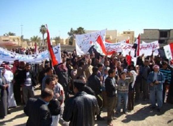 """ضباط الجيش فتحوا النار على المتظاهرين بسبب هتافهم """"الشعب يريد إسقاط النظام"""""""