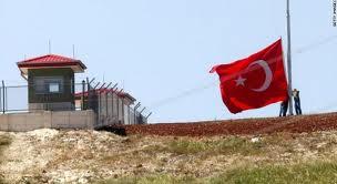 انفجار حافلة صغيرة على الحدود السورية التركية أسفر عن مقتل 12 شخص