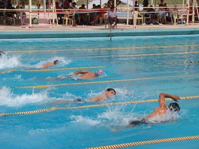 العراق يحصد 33 وساماً في بطولة دبي الدولية للسباحة