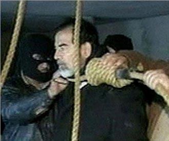 قصة صدام والحلاق والرصاصة … بقلم سمير عطا الله