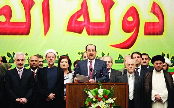 حاشية المالكي هي سبب مشاكل الحكومة !
