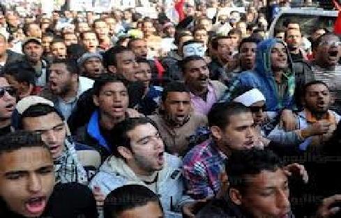 """في ذكرى تنحي مبارك .. قوى مصرية ترفع شعار"""" إسقاط النظام"""""""