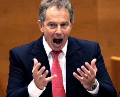 حرب العراق حولت توني بلير الى شخصية مكروهة في بريطانيا بقلم احمد
