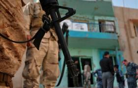 الاستيلاء على مركز شرطة بالرمادي  وقتل امر حماية شرطة الطوارئ