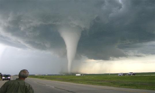 عالم دنيماركي يتوقع في دراسة له ان عدد الأعاصير القوية سيرتفع عشر مرات