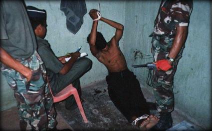 تقرير بريطاني: البنتاغون ومقاتلو الحروب القذرة وراء مراكز التعذيب العراقية