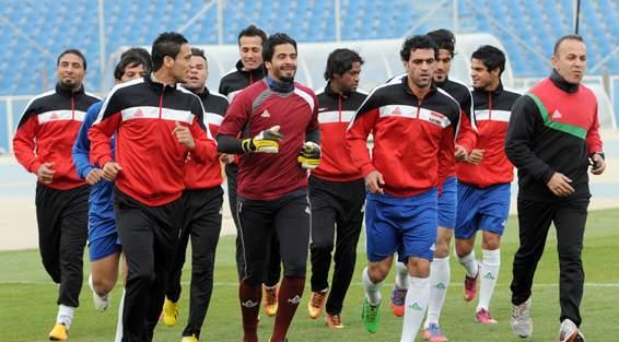 المنتخب الوطني يواصل تدريباته التي اقتصرت على 13 لاعباً في ملعب الشعب