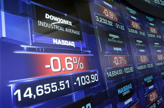 الأسهم الأمريكية تغلق على انخفاض حاد متأثرة بخسائر قوية لسهم آبل