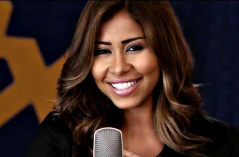 """شيرين عبد الوهاب تسجيل أغنية جديدة بعنوان """"متاخدة من الأيام"""""""