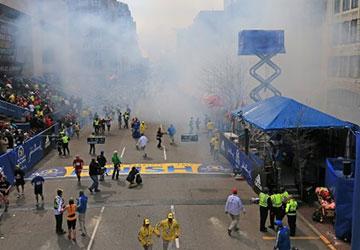 إرتفاع عدد قتلى تفجيرات بوسطن الى 3 قتلى وتأهب المدن الكبرى