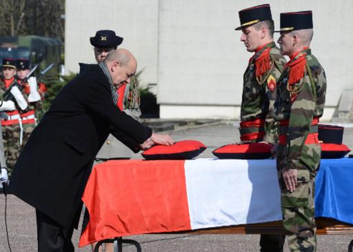 في جمهورية مالي الافريقية .. مقتل جندي فرنسي سادس