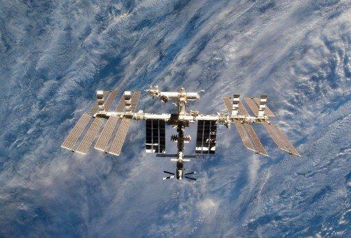 رائدا الفضاء يعودان الى المحطة بعد تنفيذ مهامهما في الفضاء المكشوف