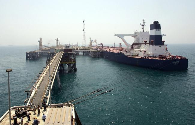 خبير اقتصادي يؤكد أهمية انشاء موانئ برية في بغداد لتنشيط حركة التجارة في البلد