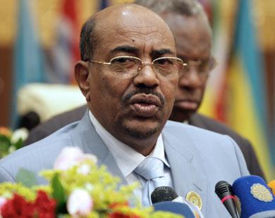 الرئيس السوداني يهدد جنوب السودان بأن بلاده ستغلق خط انابيب النفط الواصل لها …