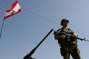 مقتل ثلاثة جنود لبنانيين على يد مسحلين مجهولين