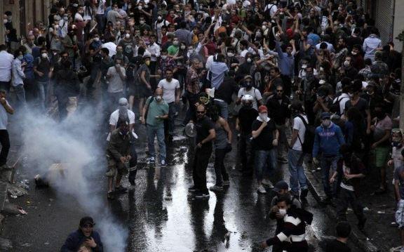 عشرات الآلاف من الاتراك يحتشدون في المدن التركية مجددا للتظاهر