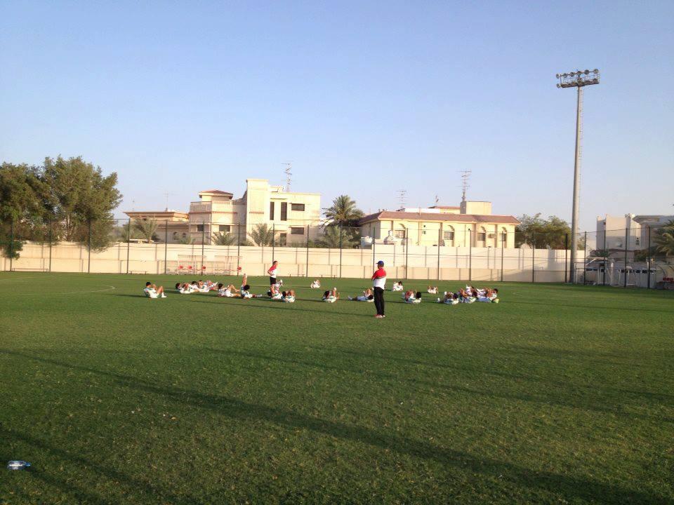 المنتخب الوطني يشد الرحال من الدوحة الى مسقط لملاقاة المنتخب العُماني