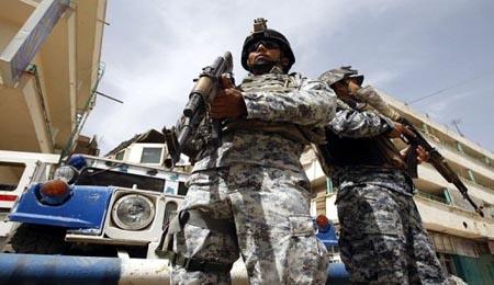 عاجل .. انتحاري يفجر نفسه داخل مركز شرطة في ناحية الرياض