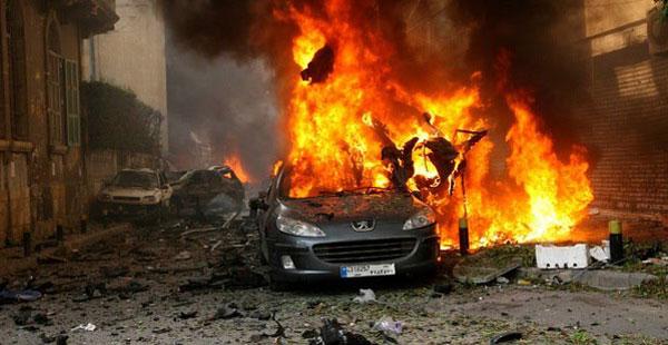 مقتل عدد من الاشخاص عقب انفجار سيارة ملغومة في معقل حزب الله في بيروت
