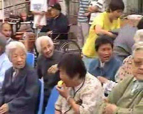 الصين تفرض قانونيا على الابناء بزيارة الاباء