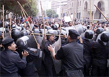 مغادرة الاسر الاجنبية القاهرة
