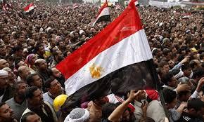 مصادر مصرية:عزم وزراء في حكومة مرسي تقديم استقالاتهم