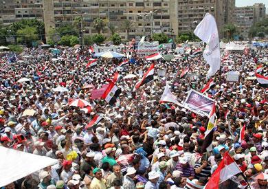 مؤيدو مرسي يدعون لمسيرات بعد تقارير عن قرب فض اعتصاماتهم