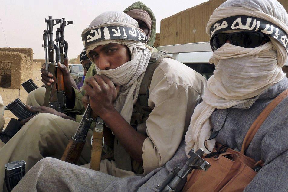 مسلحون يهاجمون أهدافا أمنية في سيناء المصرية