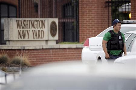 مسلح يفتح النار داخل مقر للبحرية الامريكية في واشنطن ويقتل 13 شخصا