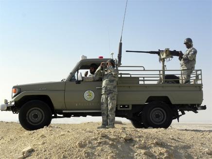 السعودية تعلن عن سقوط 6 قنابر هاون قرب مركز حدود لها مع العراق
