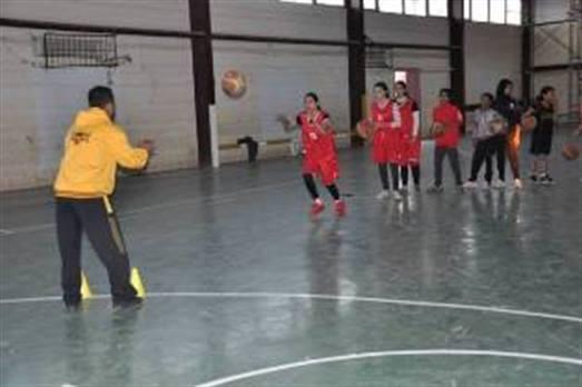نسوة العراق بكرة السلة يعسكرن في كركوك استعدادا لبطولة الخليج