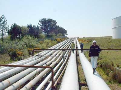 ايران ملتزمة بتنفيذ مشروع انبوب الغاز الى العراق