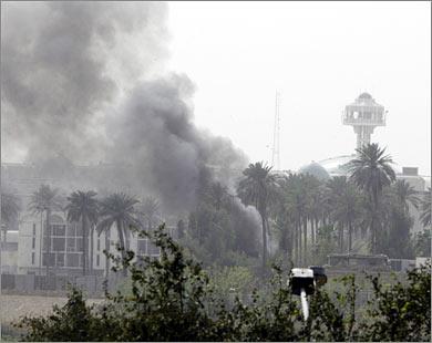 مقتل واصابة 20 شخصا اثر تفجير انتحاريين في مدخل الخارجية والمنطقة الخضراء