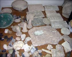 المتحف الوطني :اليوم تم اجراء مراسم تسليم العديد من القطع الاثارية المسروقة والمنهوبة من المتحف