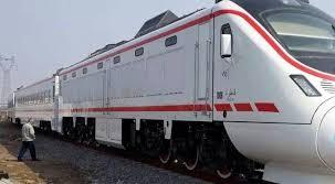النقل : تدشين قطارين جديدين ورافعة عملاقة لانتشال الغوارق في ميناء ام قصر