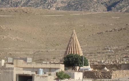 داعش يفجر مرقدا مقدسا لدى الايزيدية بُني قبل 700 عام في سنجار