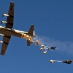 طائرة-تنزل-اعتدة-480x262