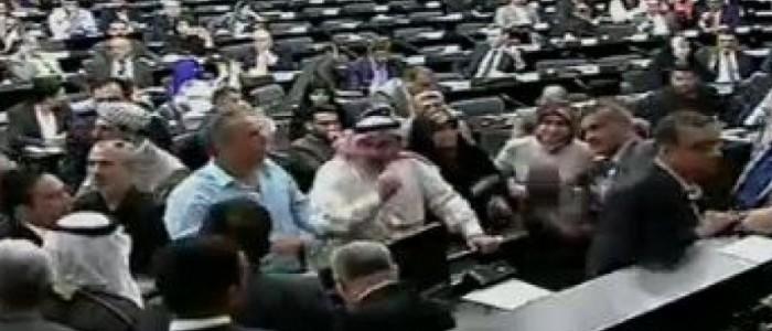 النواب المعتصمون يقدمون طعنا للمحكمة الاتحادية بجلسة البرلمان ليوم امس