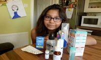طفلة تعطس 8000 مرة في اليوم