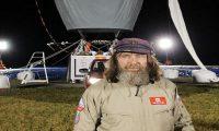 عجوز روسي يطوف العالم بمنطاد