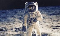 """ناسا تبيع بالخطأ """"كنزا وطنيا"""""""