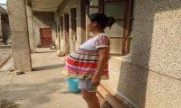 امرأة صينية تحمل جنينها 17 شهراً