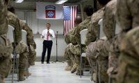 """كارتر امام مجموعة من جنوده في العراق:الذي يهمنا """"مستقبل""""الموصل!"""